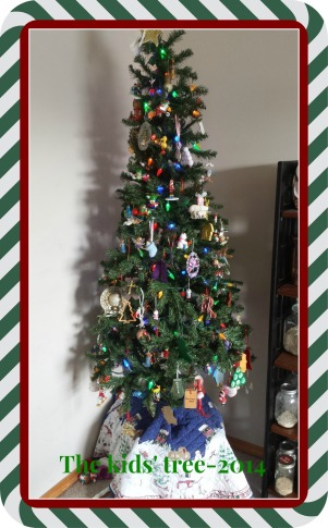 A happy mismatch or ornaments full of memories.